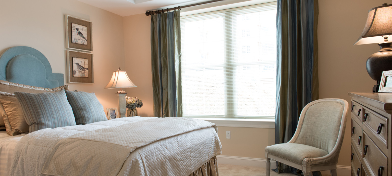 large bedroom at Meridian at Eagleview apartments in Exton PA