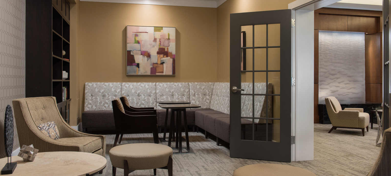 lounge at Meridian at Eagleview apartments in Exton PA
