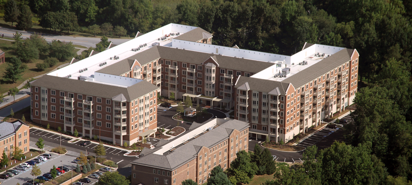 building at Meridian at Eagleview apartments in Exton PA